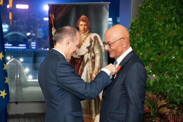 The Consul General of France to Hong Kong and Macau, Mr Alexandre Giorgini (left) and HSH Chief Operating Officer, Mr Peter Borer, at The Peninsula Hong Kong